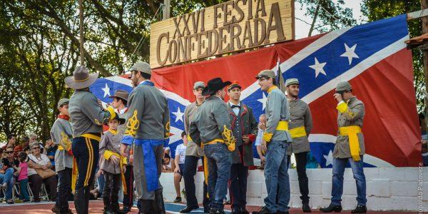 14206754472_45738bc16b_bNachfahren der Auswanderer aus den Südstaaten beim jährlichen Fest in Brasilien (Flickr)